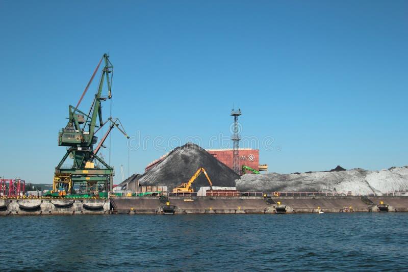 Kohlenanschluß im Hafen von Gdynia lizenzfreies stockfoto