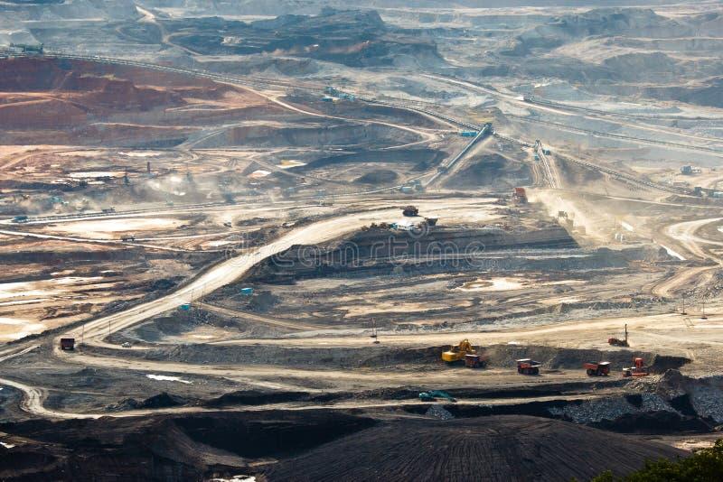 Kohlenbergbau im Tagebau lizenzfreie stockfotografie