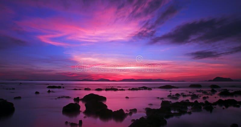 KohYao Yai solnedgång, Phuket, Thailand fotografering för bildbyråer