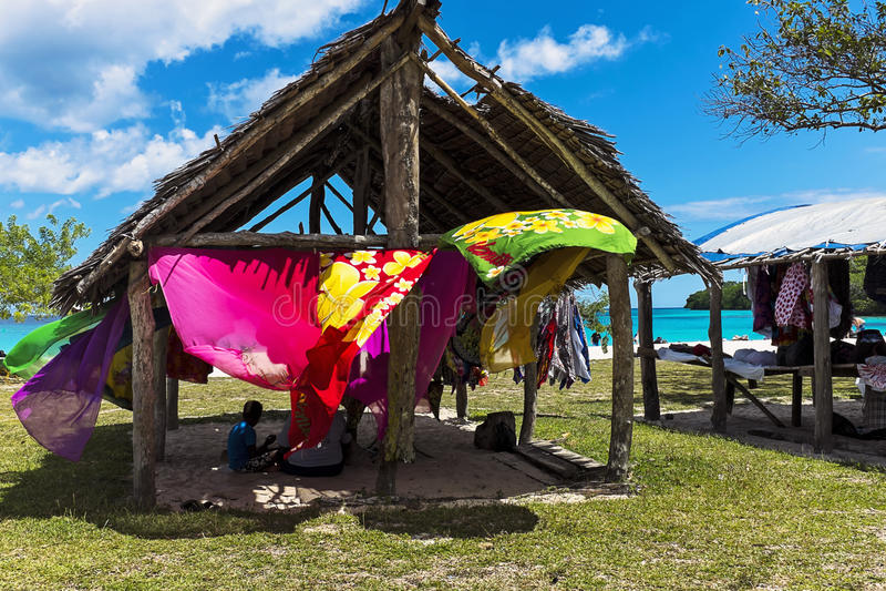 Kojor på Champagne Bay, Vanuatu royaltyfri bild