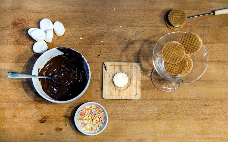 Kokende bakkerij van bakkerij van maïsmeelpap de zachte koekjes royalty-vrije stock fotografie