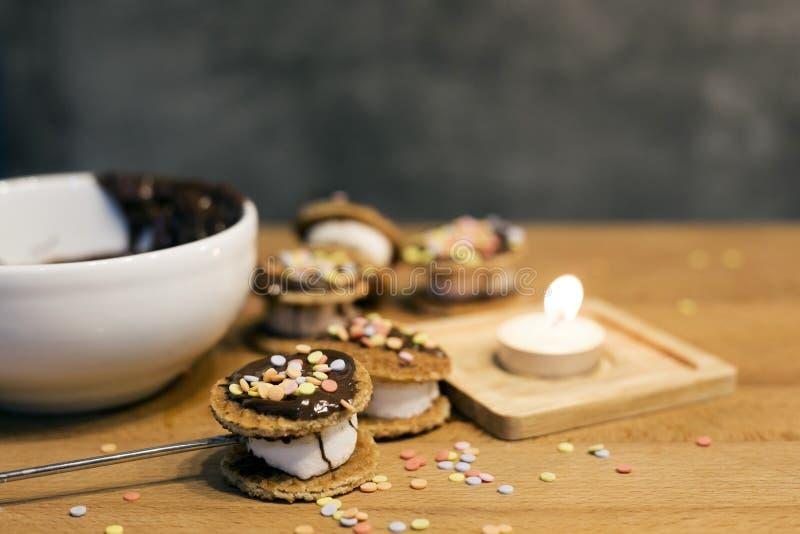 Kokende bakkerij van bakkerij van maïsmeelpap de zachte koekjes royalty-vrije stock afbeeldingen