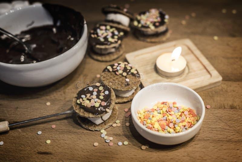 Kokende bakkerij van bakkerij van maïsmeelpap de zachte koekjes stock foto