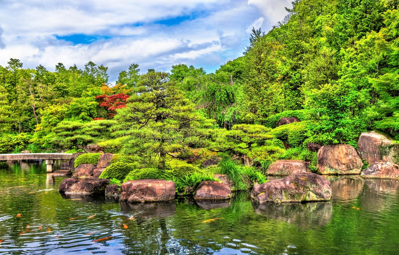 Koko-en japonês tradicional do jardim em Himeji imagem de stock royalty free