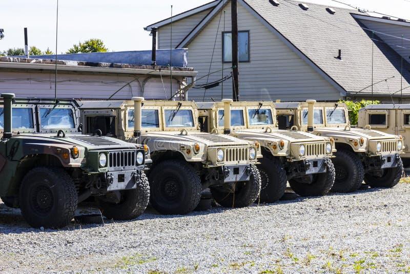 Kokomo - Circa Oktober 2016: Ställde upp Humvee medel som kan användas till mycket på Indiana National Guard Armory II royaltyfri bild