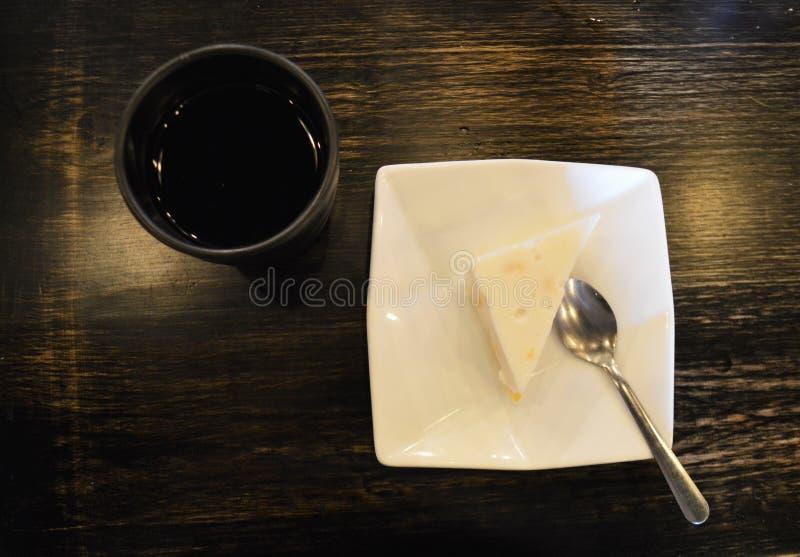 Kokosnötgelé med söta Mung Bean Dessert arkivbilder