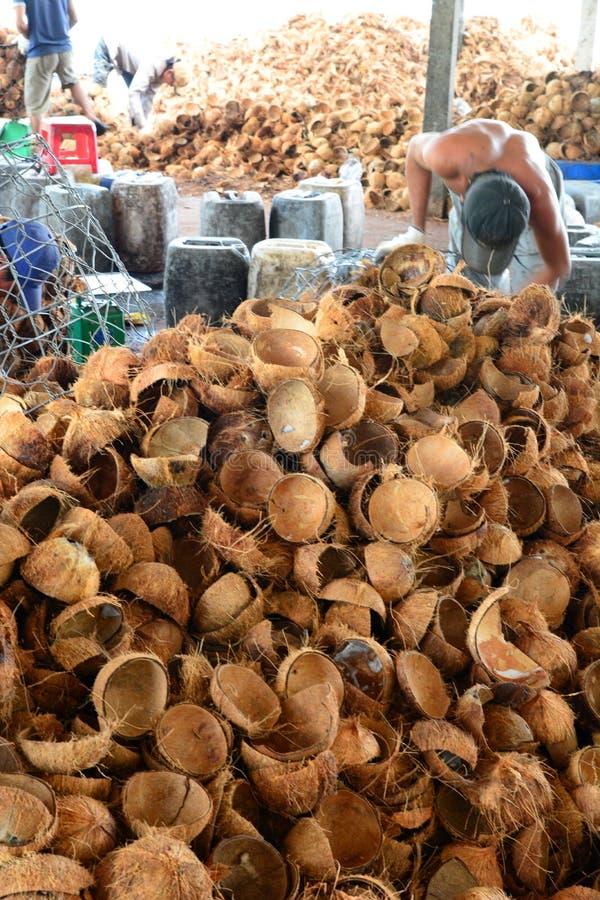 Kokosnötgodisfabrik Ben Tre Mekong deltaregion vietnam royaltyfri bild