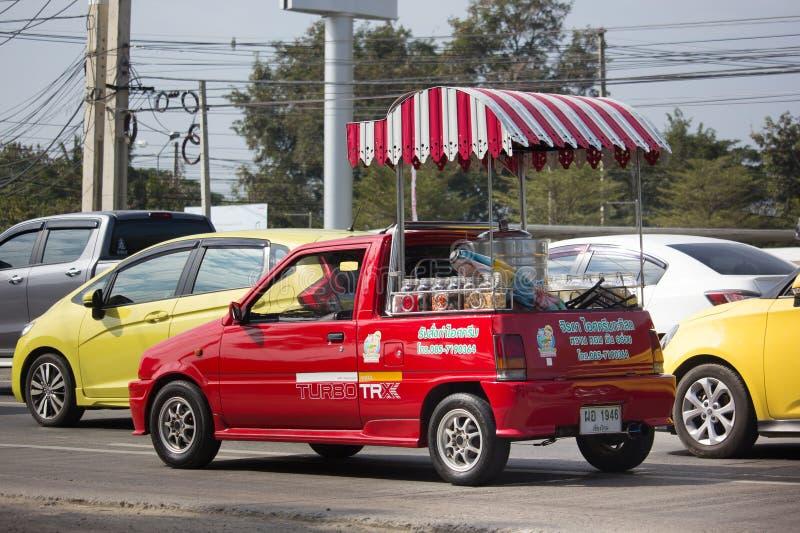 KokosnötIcecream shoppar på Daihatsu Mira Mini Truck arkivfoton