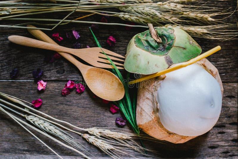 Kokosnotensap stock afbeeldingen