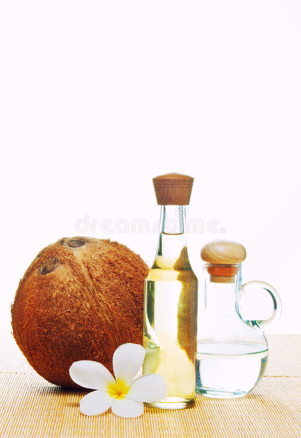 Kokosnuss und Kokosnussöl lizenzfreie stockfotos