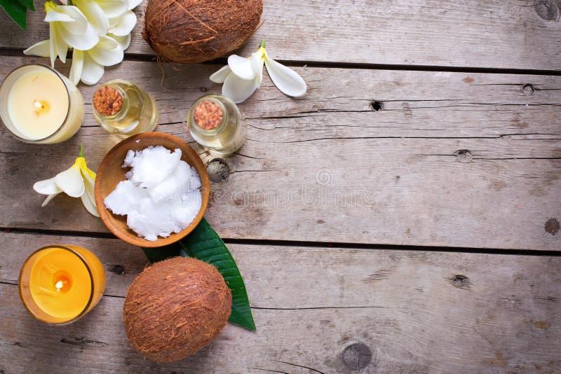 Kokosnussbadekurorteinstellung lizenzfreie stockfotografie