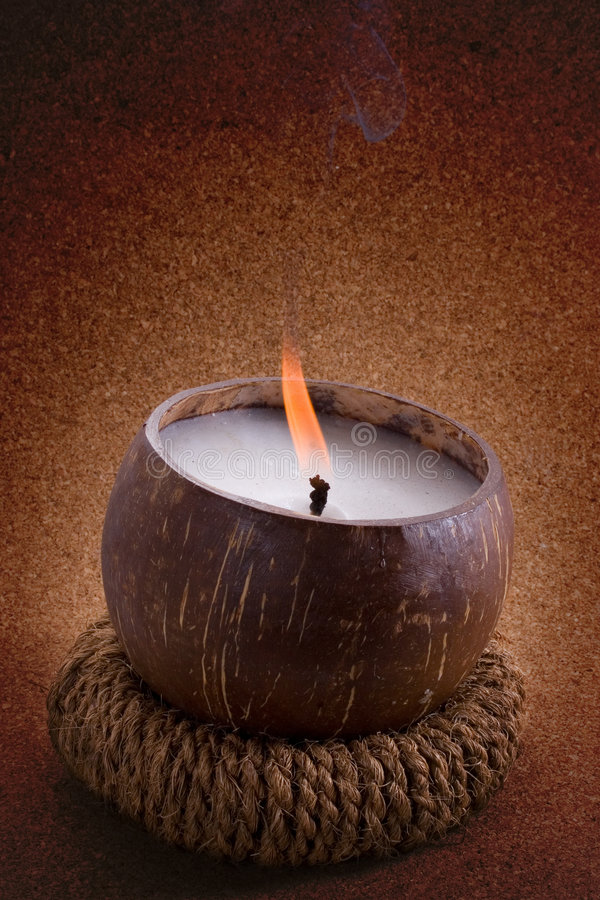 Kokosnusskerze lizenzfreies stockfoto