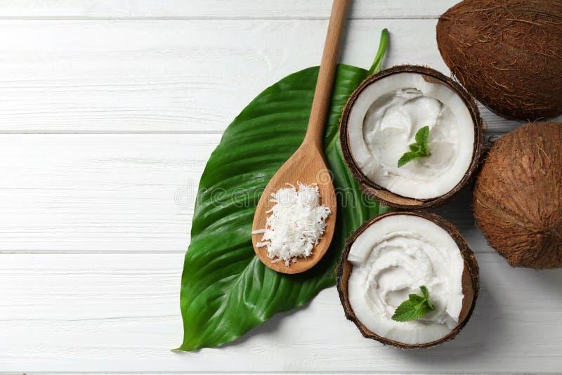 Kokosowa śmietanka w dokrętkach obraz stock