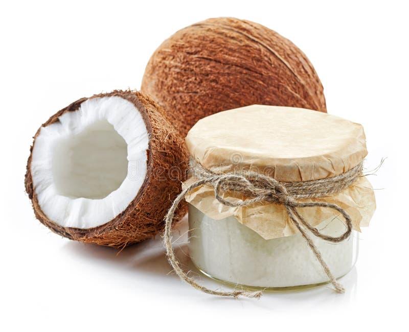 Kokosowy olej i świezi koks obraz stock