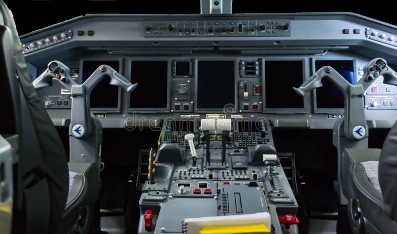 Kokpit Embraer 175 obrazy royalty free