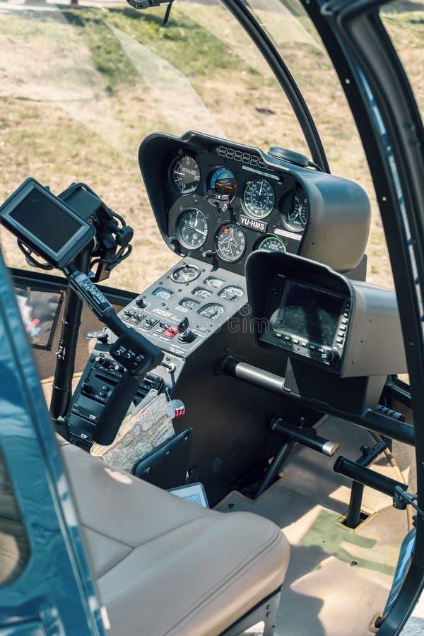 Kokpit Robinson R66 helikopter obraz stock