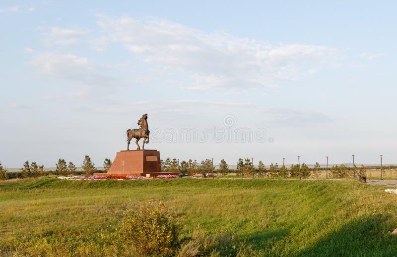 Kokshetau, Kasachstan - 11. August 2016: Pferdeskulptur an stockbilder