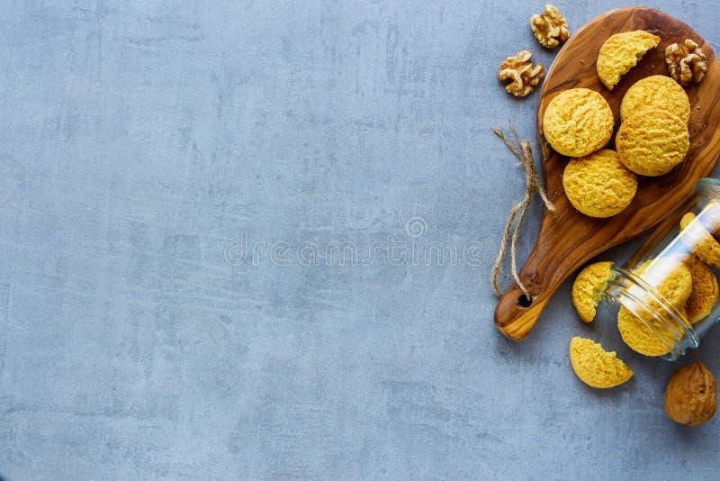Koksu i orzecha włoskiego ciastka fotografia stock