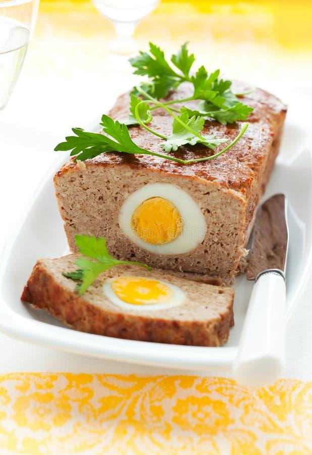 kokt äggköttfärslimpa arkivbild