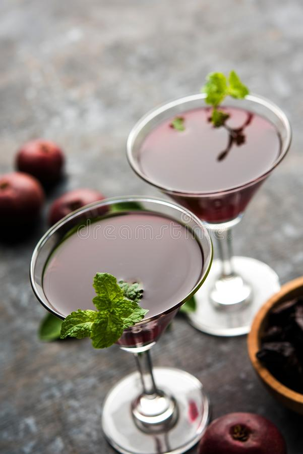 Kokum Sharbat, Sap of Sorbet OF de drank van het de zomerkoelmiddel uit indica die Garcinia wordt samengesteld royalty-vrije stock afbeeldingen