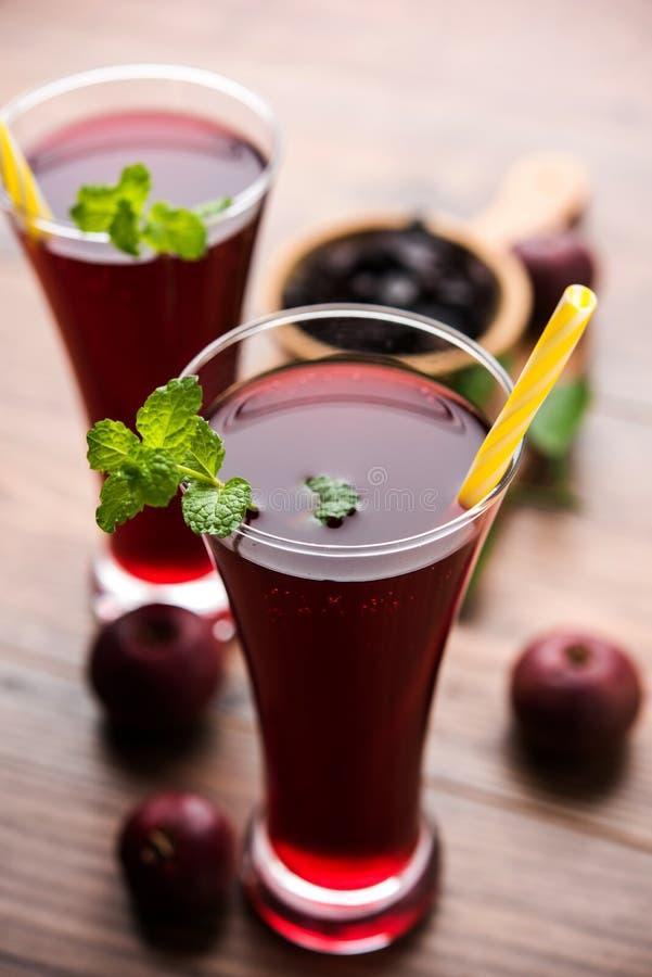 Kokum Sharbat, Sap of Sorbet OF de drank van het de zomerkoelmiddel uit indica die Garcinia wordt samengesteld royalty-vrije stock foto's