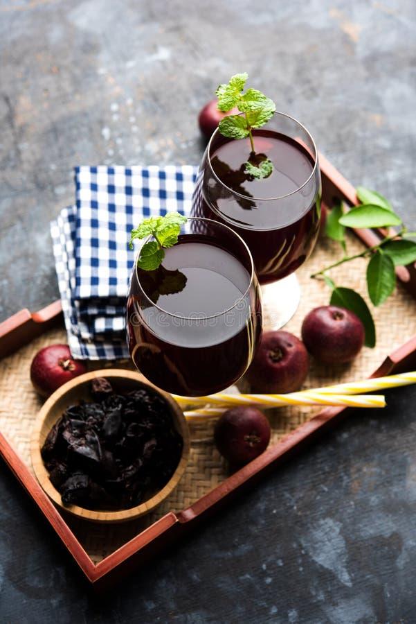 Kokum Sharbat, Sap of Sorbet OF de drank van het de zomerkoelmiddel uit indica die Garcinia wordt samengesteld stock foto