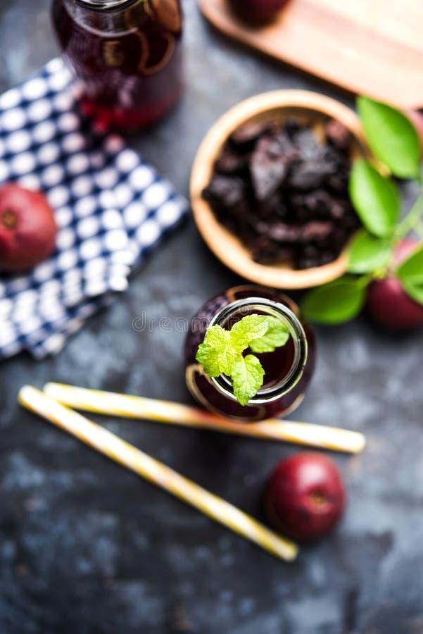 Kokum Sharbat, Sap of Sorbet OF de drank van het de zomerkoelmiddel uit indica die Garcinia wordt samengesteld stock afbeelding