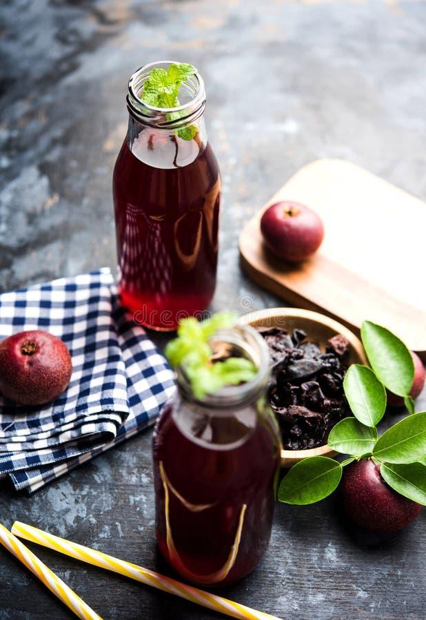 Kokum Sharbat, Sap of Sorbet OF de drank van het de zomerkoelmiddel uit indica die Garcinia wordt samengesteld royalty-vrije stock foto