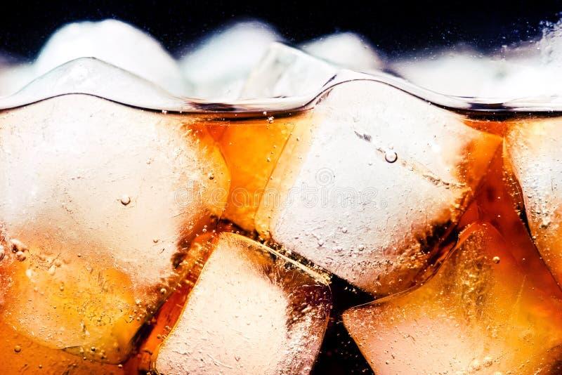 Kola avec de la glace photographie stock libre de droits