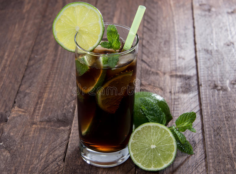 Kolabaum und Rum lizenzfreies stockfoto