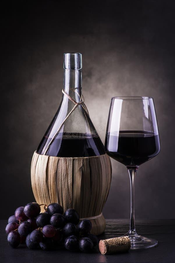 Kolba czerwone wino obrazy stock