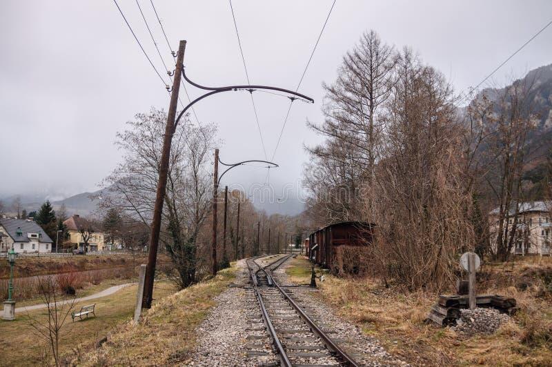 Koleje w Alpejskiej wiosce Reichenau na Rax Niski Austria zdjęcie stock