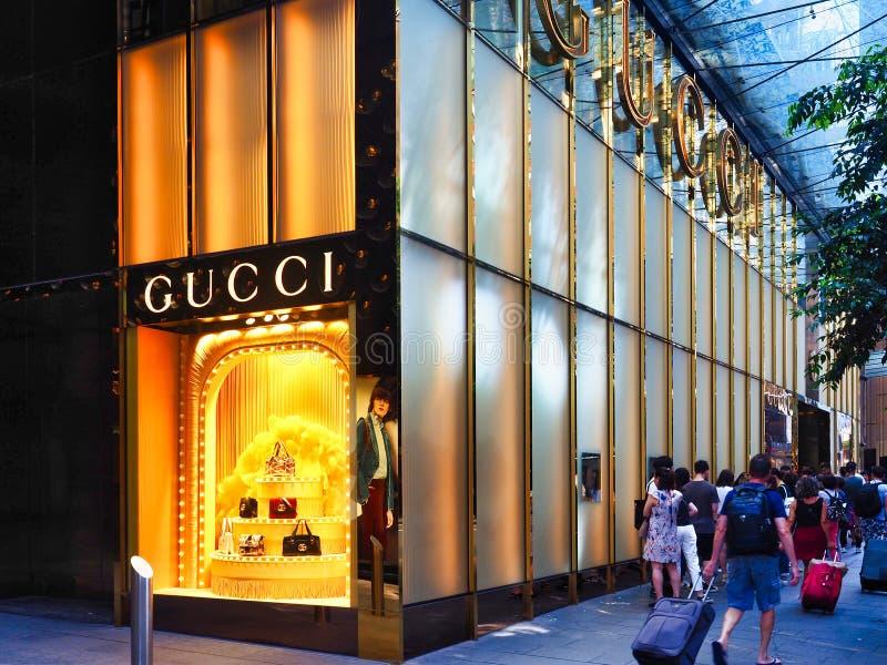 Kolejki Sydney miasta Gucci Outside sklep, Australia zdjęcia stock