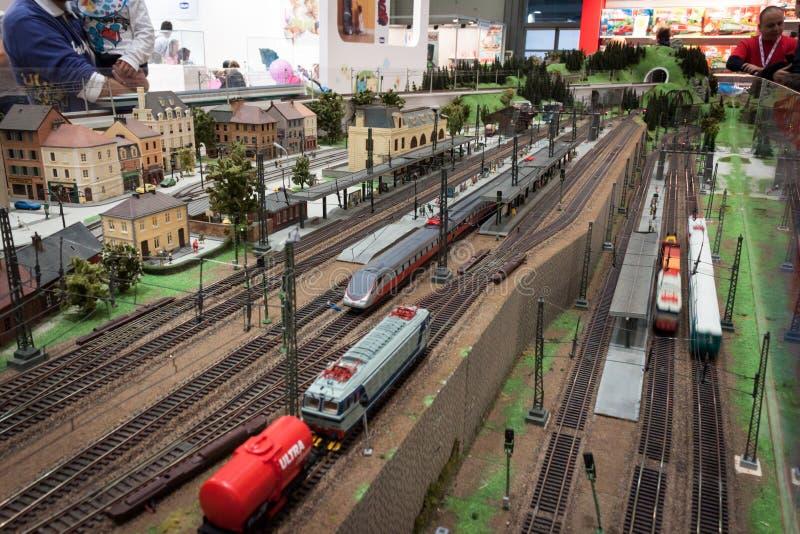 Kolejowa diorama przy G! przychodzi giocare w Mediolan, Włochy zdjęcie stock