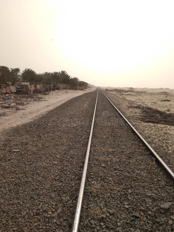 Kolejowa oazy pustynia zdjęcie royalty free