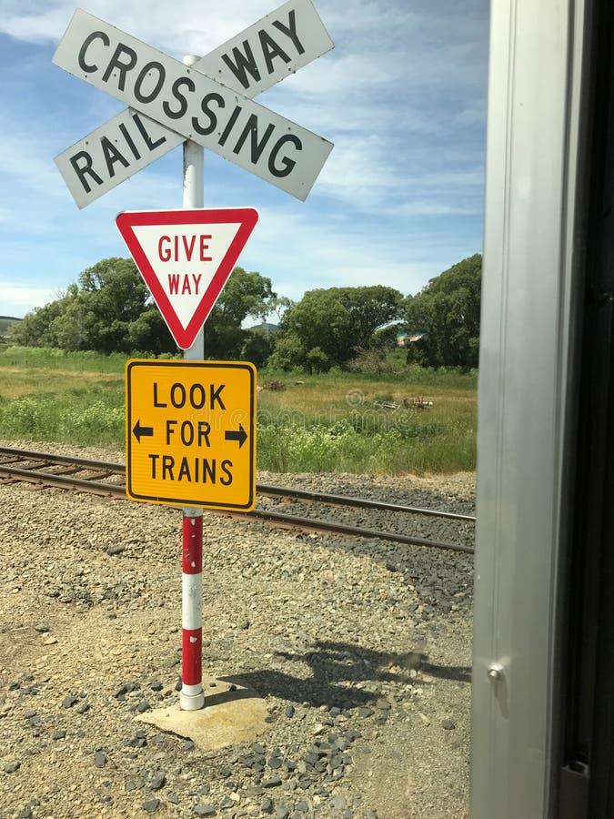 Kolejowa rakietnica jest systemem używać kierować kolejowego ruch drogowego i utrzymywać pociągi jaśni each inni czasy wcale Skrz obraz stock