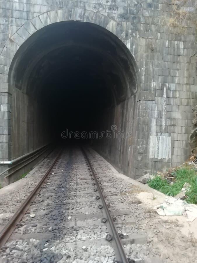 Kolejowego tunelu ciemność obraz stock