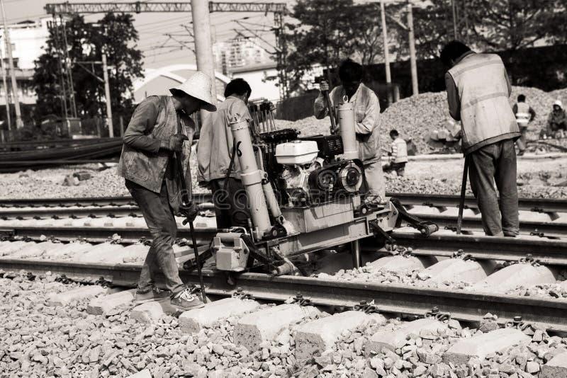 Kolejowi pracownicy, szlakowy utrzymanie zdjęcia stock