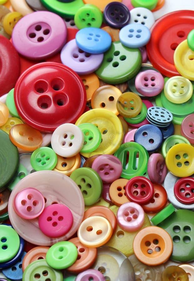Kolekcja guziki Wiele rozmiary guziki grupujący wpólnie i kolory zdjęcie stock