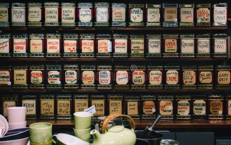 Kolekcja herbaty na pokazie w sklepie fotografia stock