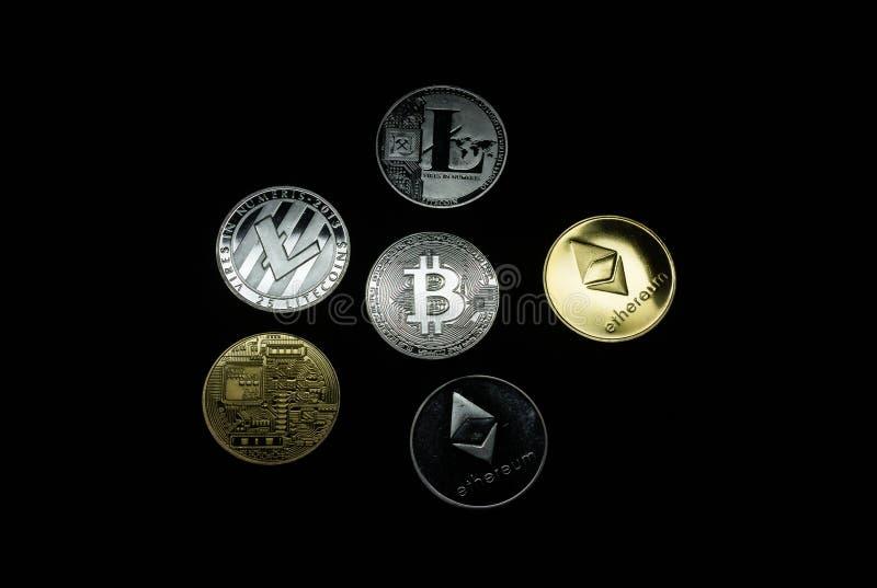 Kolekcja złota i srebra cryptocurrency monety zdjęcie stock