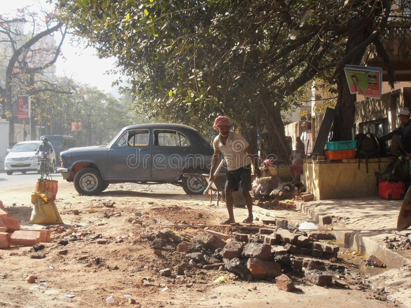 Kolkata backstreet wegwerkzaamheden royalty-vrije stock afbeelding
