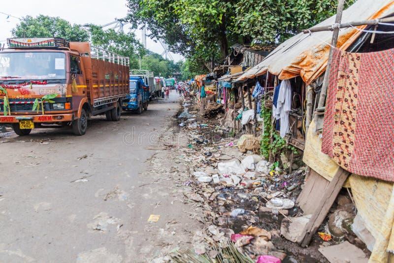 KOLKATA, INDE - 31 OCTOBRE 2016 : Petit taudis au centre de Kolkata, Ind photo stock