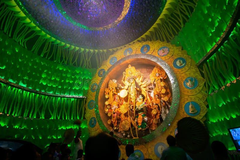 KOLKATA, INDIA - OKTOBER 1, 2014: Durga Puja-festival, documentair hoofdartikel royalty-vrije stock foto's