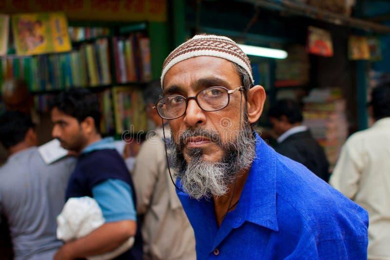 KOLKATA, INDIEN - 18. JANUAR: Attraktiver moslemischer Senator stockbild