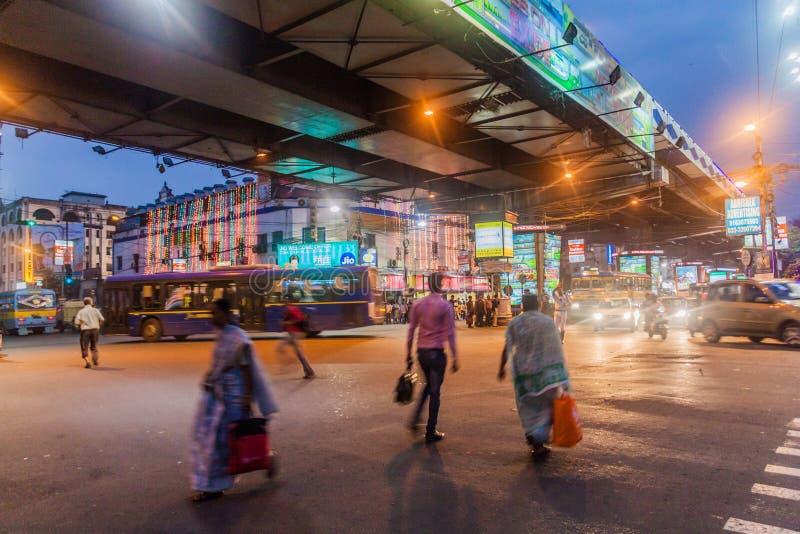 KOLKATA, LA INDIA - 28 DE OCTUBRE DE 2016: Igualación de la vista de Acharya Jagadish Chandra Bose Rd Flyover en Kolkata, Ind fotografía de archivo