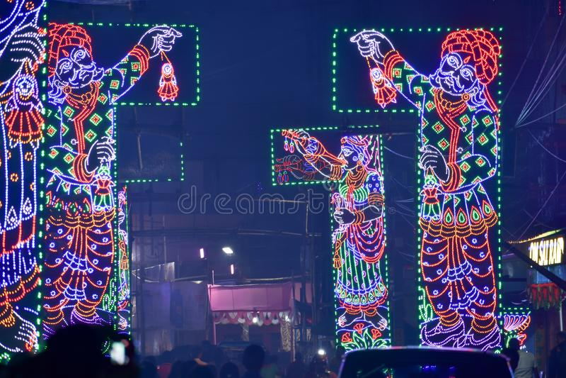 Kolkata, West-Bengalen, India Oktober 2018 - Kolkata omgezet in Stad van Lichten tijdens Durga Puja Schitterende verlichting royalty-vrije stock afbeeldingen