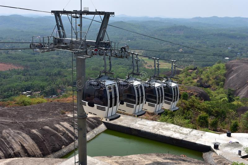 Kollam, Kerala, Inde - 2 mars 2019 : Le tour de funiculaire au parc naturel de Jatayu photos stock