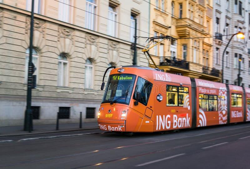 Kollektivtrafik i Prague arkivbild