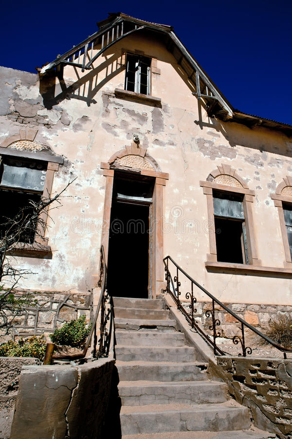 Download Kolmanskop纳米比亚城镇 库存图片. 图片 包括有 闹事, 灰色, 腐朽, 蓝色, 鬼魂, 纳米比亚 - 15691753